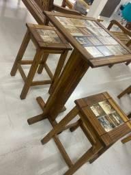 Título do anúncio: Mesa bistrô madeira maciça com 2 bancos