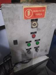 Painel de comandos elétricos no estado Caixa metálica Quadro de força