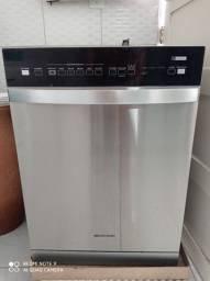 Máquina de lavar louça
