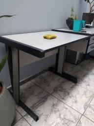 Mesa simples de escritório