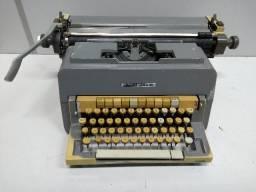 Maquina de Escrever Olivietti Linea 98