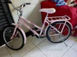 Vende-se essa bicicleta Cairu por 270 reais