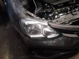 Farol lado direito Toyota Etios 2018 - 3853