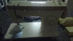 Máquina de costura Singer Zig-Zag
