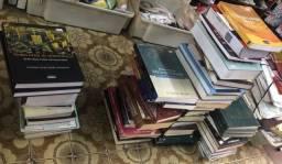 Livros de faculdade, medicina, pediatria, administração, psicologia etc