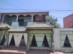 Casa à venda na Av: Borges Leal