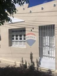 Casa com 3 dormitórios para alugar, 140 m² por R$ 1.500,00/mês - Heliópolis - Garanhuns/PE