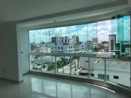 Apartamento no centro com 03 quartos sendo 01 suite com fino acabamento