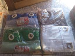Vendo colcha de cama e cortina  é kit