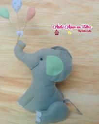 Elefante em feltro para nicho