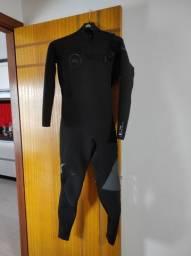 Wetsuit Quicksilver 3:2 usada uma única vez Tamanho M