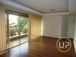 Casa em Itapoã, 5 quartos, 1 suite e 2 semi suítes - 4 vagas