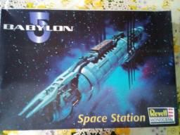 Título do anúncio: Babylon 5 Kit para montar - Revell