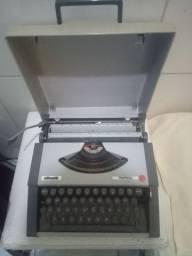 Vendo ou troco maquina de escrever
