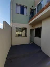 Vende-se Excelente Casa Geminada com Área Privativa em São Joaquim de Bicas