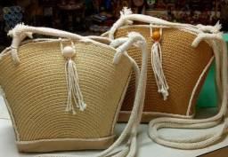 Bolsa de fibra com alça de corda