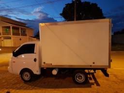 Caminhão HR Baú Térmico - 2012