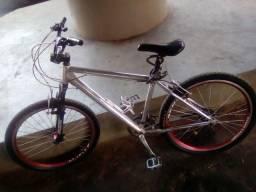 Bicicleta toda de alumínio (com peças da shimano)