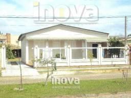 Ótima casa com 03 dormitórios na Zona Nova