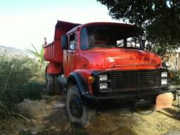 Caminhão caçamba 1519 modificada