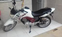 Honda Cg 150cc na cor branca ano 2014 super conservada - 2014