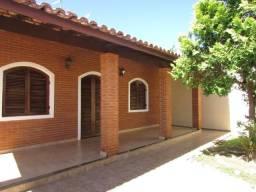 14- Casa á venda com 250 metros quadrados, 4 dormitórios