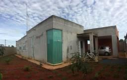 Casa 230 mts. 3 quartos, 2 suites, 3 banheiros, 2 vagas e amplo quintal