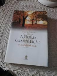 """Livro """"A Última Grande Lição - O Sentido da Vida"""""""