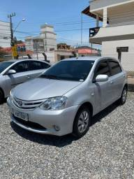 Toyota Etios XS 1.3 ano 2013 ótimo estado
