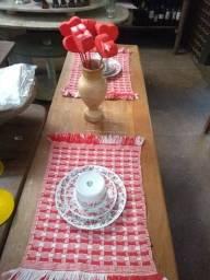 Jogo Americano Vermelho e Branco algodão + tear manual (30 cm X 38 cm) valor unitário
