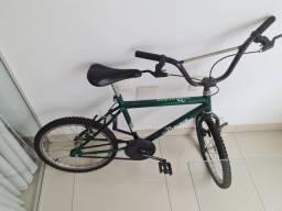 Bicicleta estilo Caloi Cross,  Monark.