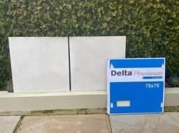 Delta porcelanato 70x70