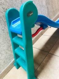 Título do anúncio: Escorregador Usado Toboguinho Mundo Azul (3 degraus)