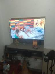 Painel de tv suporta até 42 polegadas