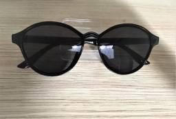 Óculos de sol  preto arredondado  feminino