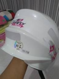 Capacete infantil zero 60 reais .
