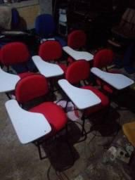 Título do anúncio: Cadeiras escolares semi novas