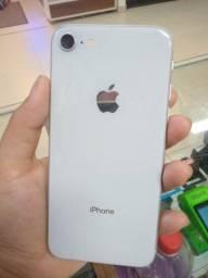 iPhone 8 novo de vitrine.