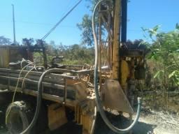 Maquina de perfuração de poço artesiano