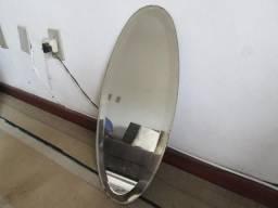 Espelho de Cristal Oval Antigo e Espelho Retangular sem Moldura