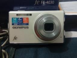 Câmera Compacta Olympus FE-4030
