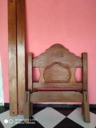 Vendo essa linda Cama solteiro de madeira de Angelim