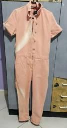macacão jeans rosa nude marisa 40