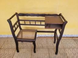 Título do anúncio: Cadeira mesinha de Telefone estilo colonial