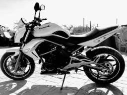 Moto Kawasaki ER 6n