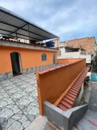 Casa de Vila, Cachambi - Varanda Externa e 2 quartos.