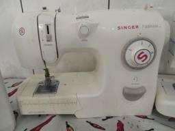 Máquina de costura reta zig-zag