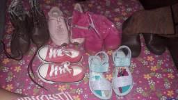 6 pares de calçados de menina por 30,00 usados