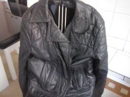 Jaqueta em couro legitimo