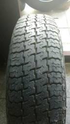 Pneu com roda Antigo Pirelli 145 aro 13